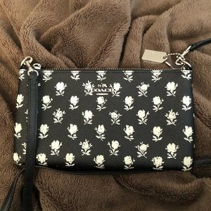 NWOT Coach floral crossbody bag!!